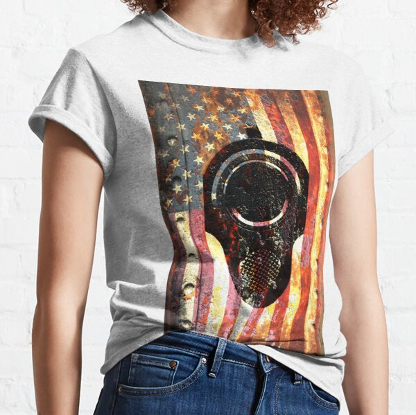 M1911 Colt 45 On Rusted American Flag Classic T-Shirt