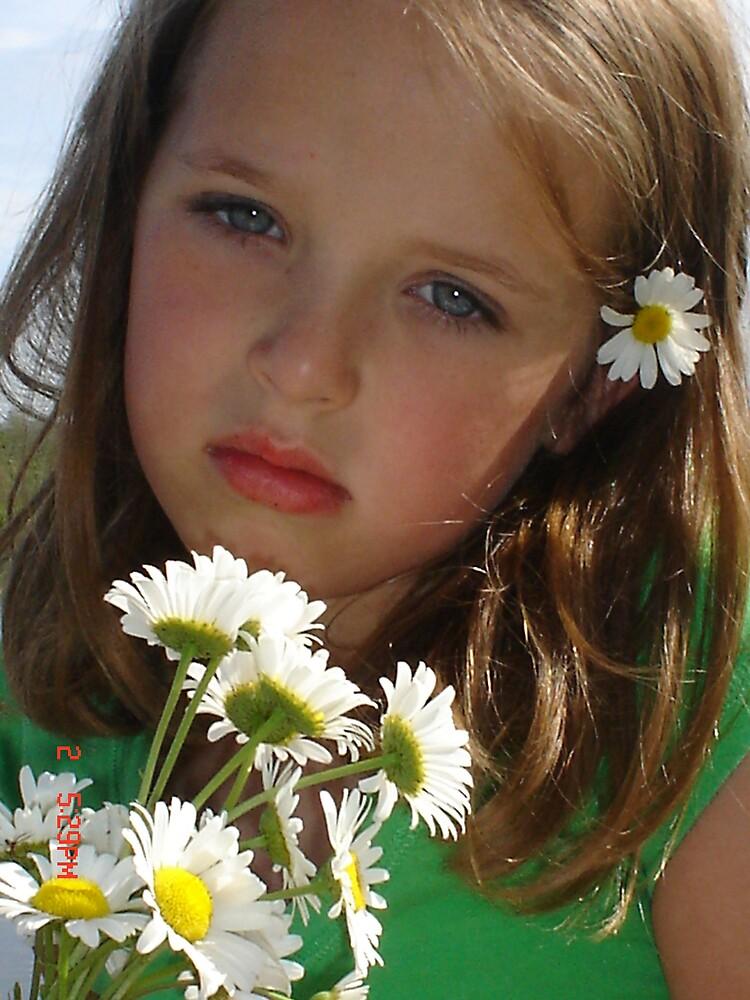 flower  by koncurmeg