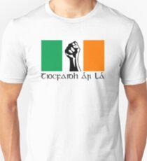 Irish Republican design in Gaeilge Unisex T-Shirt