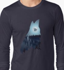 Wolf Howling with Forest T-Shirt