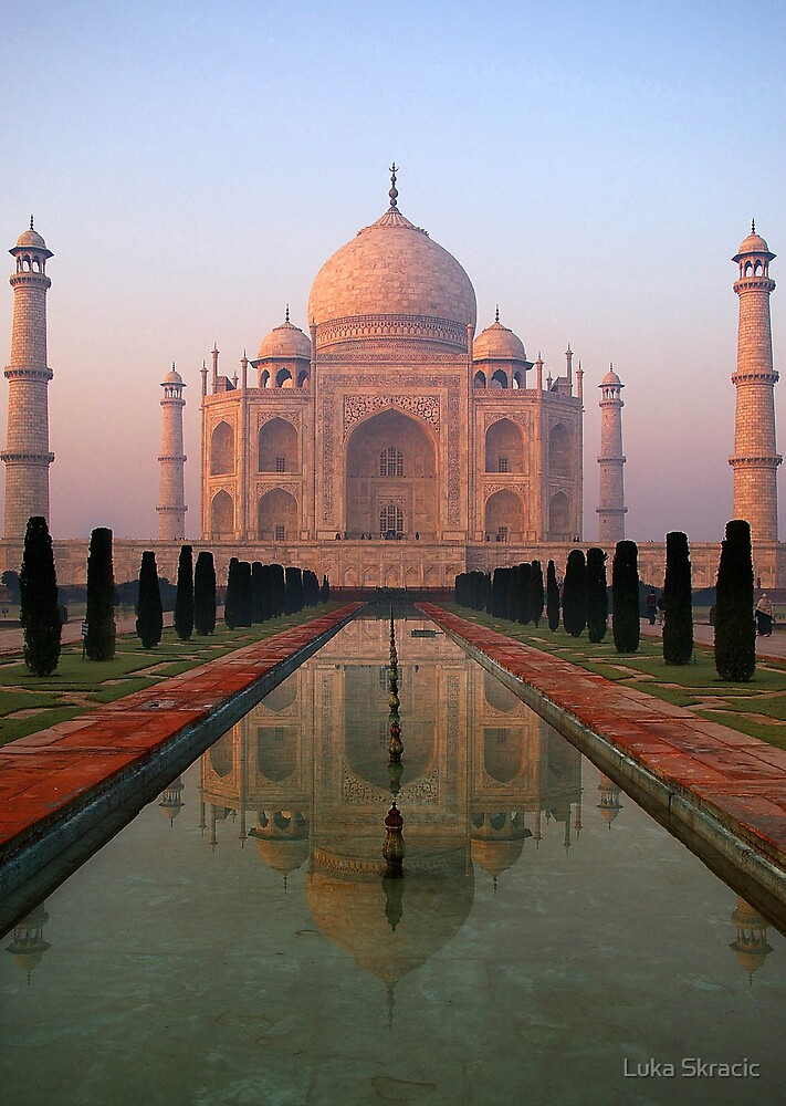 Dawn at Taj Mahal by Luka Skracic