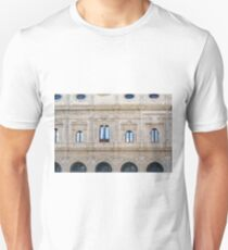 Ornamental Spanish facade with columns and arches T-Shirt