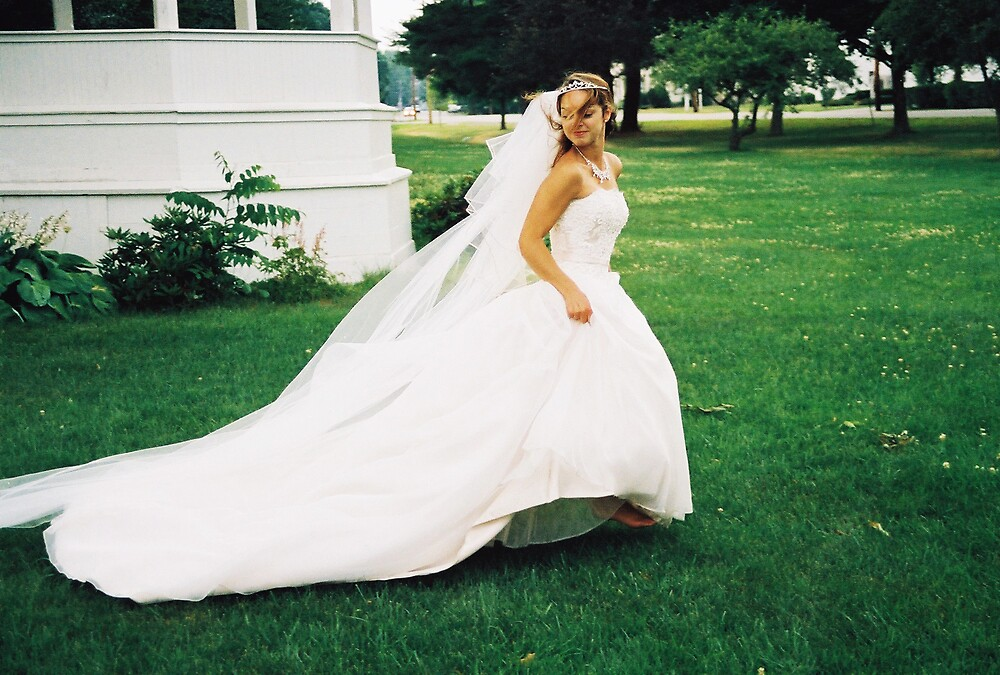Run Away Bride by drmjn10