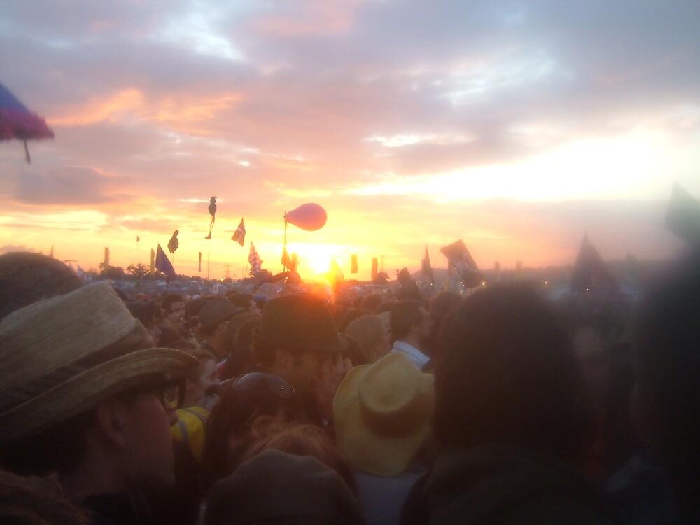 Glastonbury sunset by hami5h