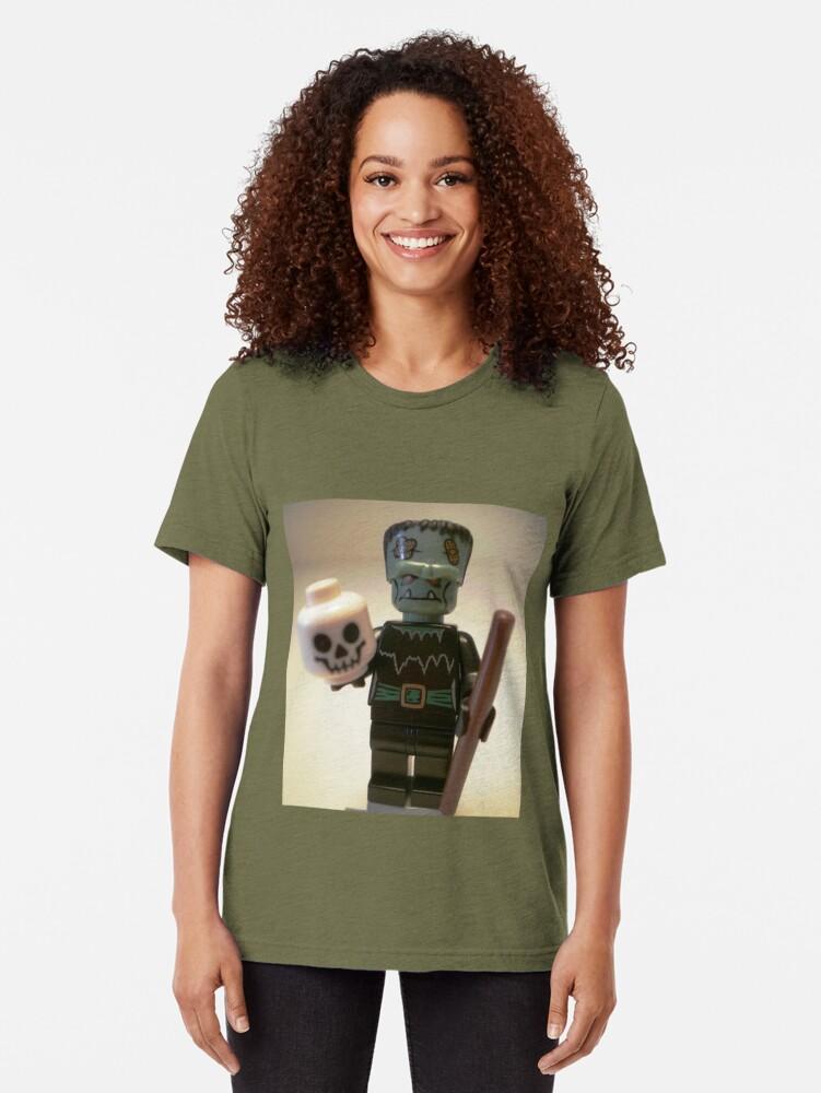 Alternative Ansicht von Frankensteins Monster Custom Minifigure with Skull Vintage T-Shirt