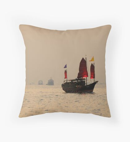 1000 Lights out to sea Throw Pillow