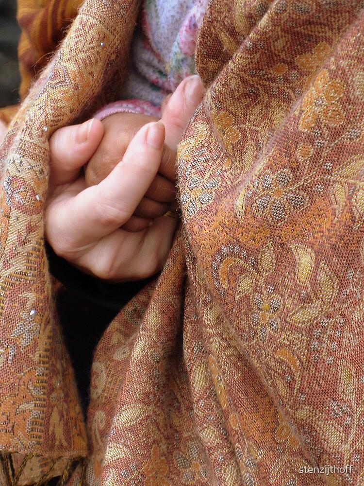 Two Hands by stenzijthoff