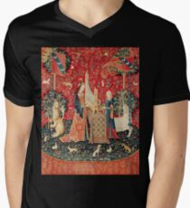 UNICORN AND LADY PLAYING ORGAN WITH ANIMALS T-Shirt