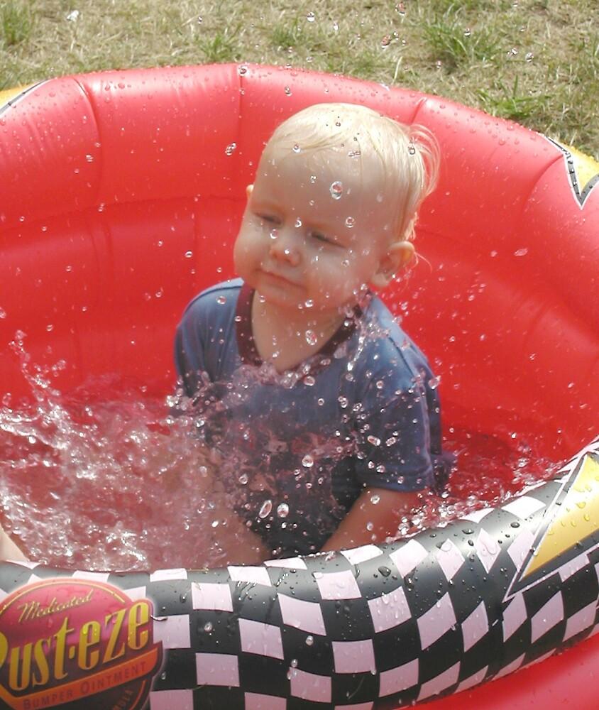 Splash! by troggmonster