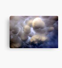 Mammatus clouds  Leinwanddruck