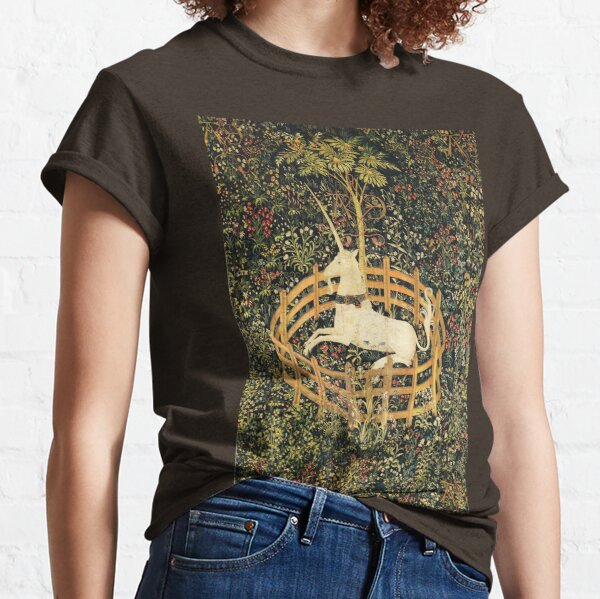 UNICORN AND GOTHIC FANTASY FLOWERS, GREEN FLORAL MOTIFS Classic T-Shirt
