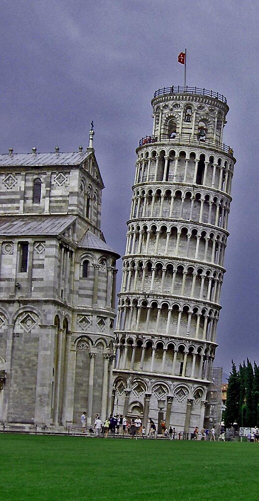 Leaning Tower of Pisa by Erika Benoit