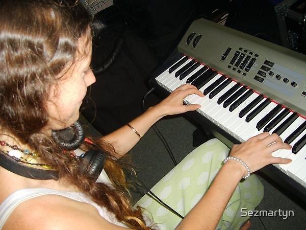 Play by Sezmartyn