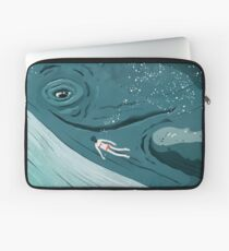 Whale dive Laptop Sleeve