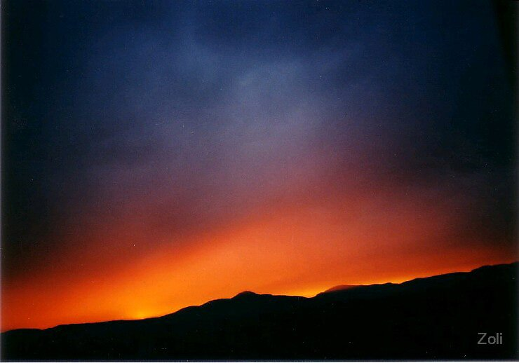 sunset by Zoli