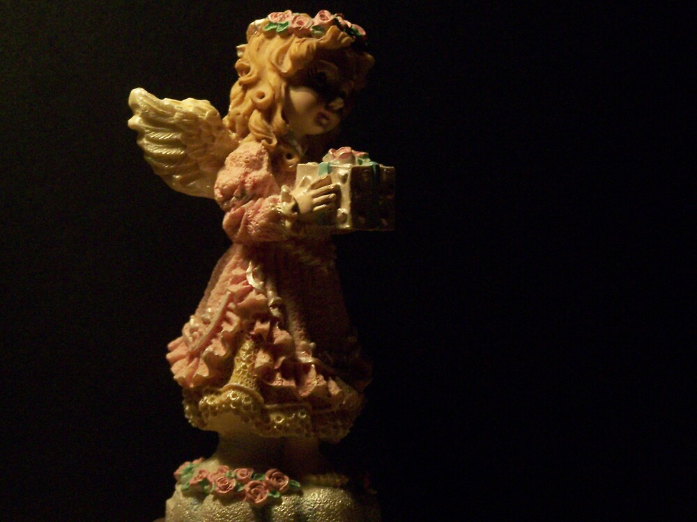 Angel in the dark by StacyLizeth