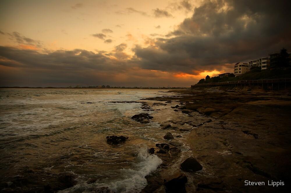 Caloundra Sunset by Steven  Lippis