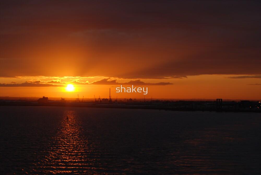 Hull sunset by shakey