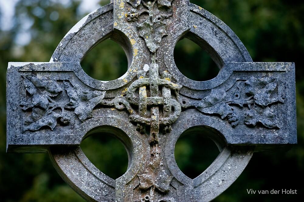 Celtic cross by Viv van der Holst
