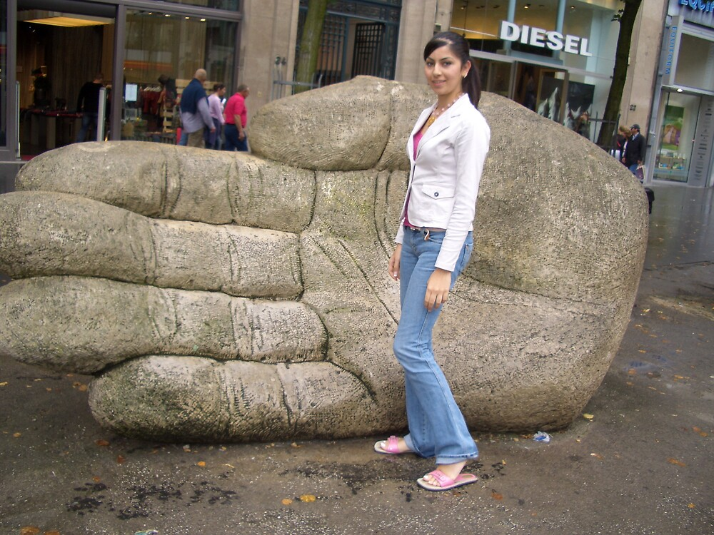 THE BIG HAND by gayanem86