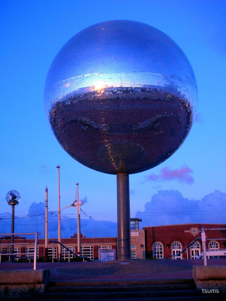 glitter ball... by tsums