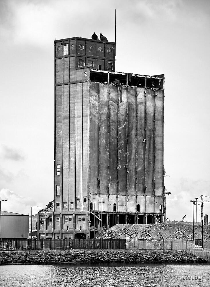 Grain Silo, Belfast Docks by stepbar