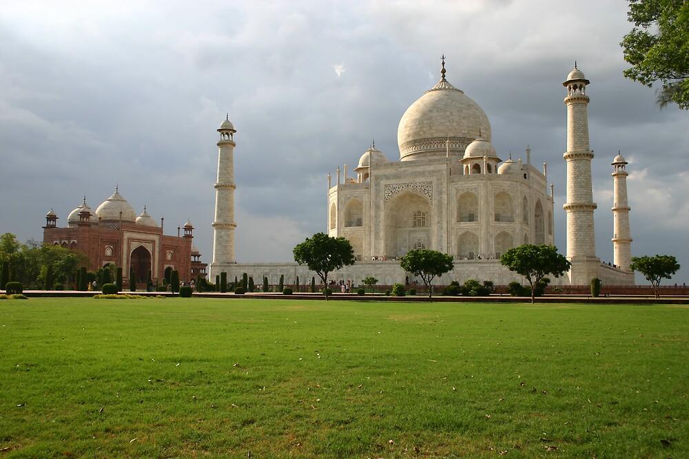 Taj Mahal by Nikolay  Dimitrov