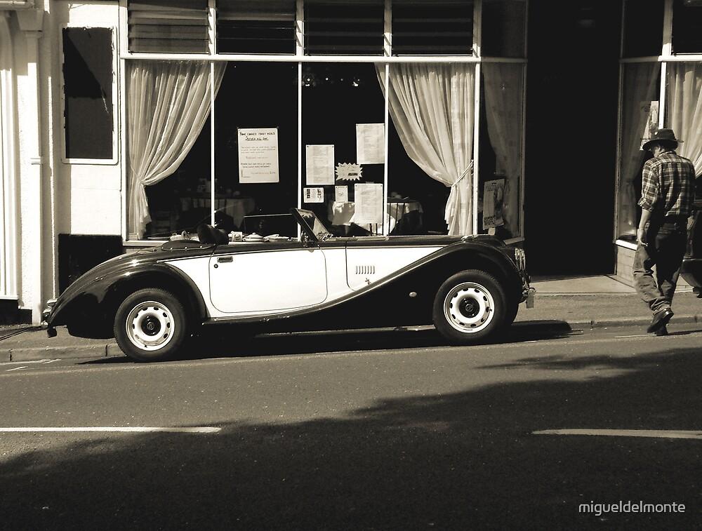 Sportscar by migueldelmonte