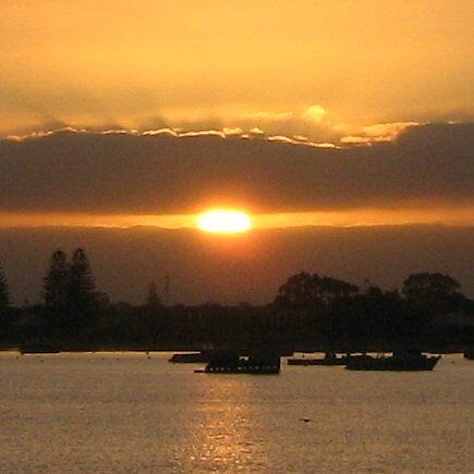 Rockingham dawn by bakfire