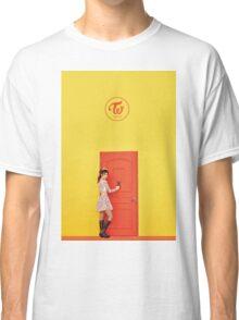 knock knock sana Classic T-Shirt