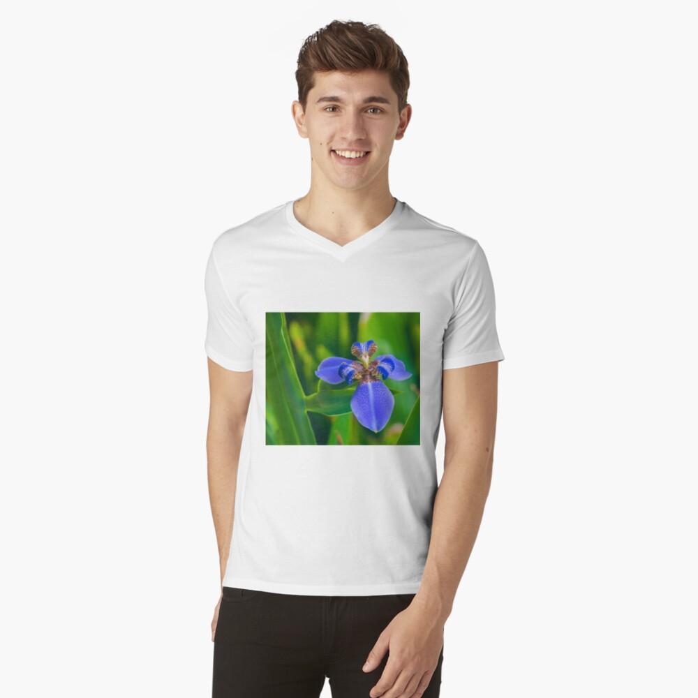 Dutch Iris Mens V-Neck T-Shirt Front