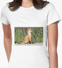Foxing Around Women's Fitted T-Shirt