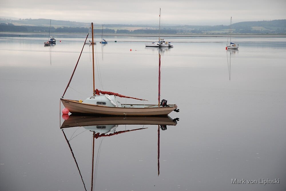 Boat - Findhorn Bay by Mark von Lipinski