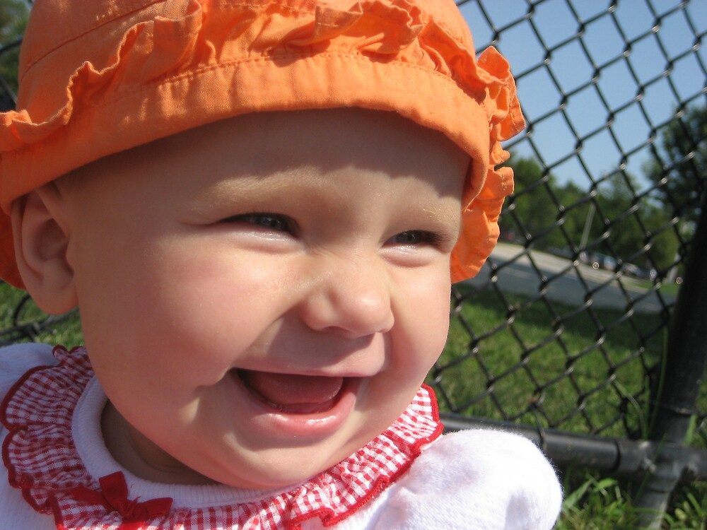 baby smile by Elzbieta