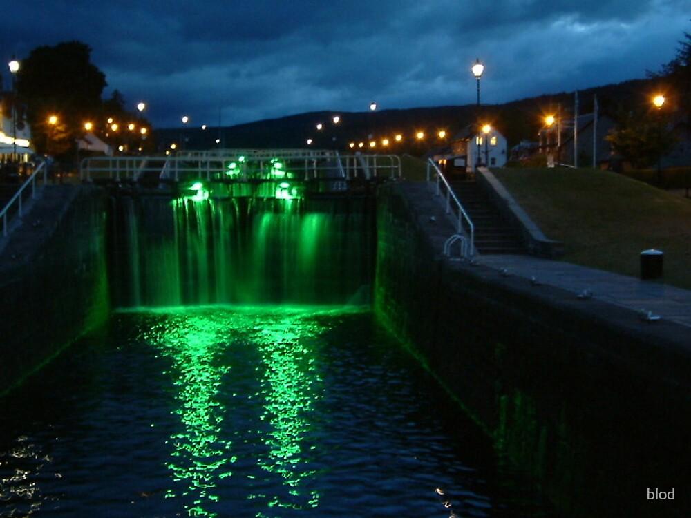 Locks at night, Fort Augustus by blod