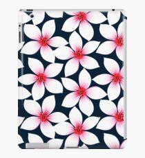 Weiße tropische Hibiskusblüten iPad-Hülle & Klebefolie