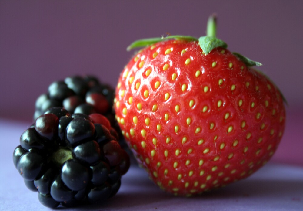 Strawberry and blackberries by emmajc