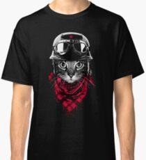 Adventurer Cat Classic T-Shirt