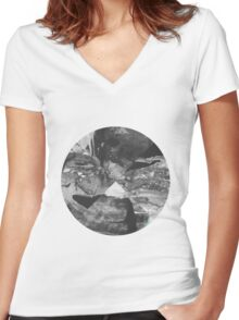 Stone Circle Women's Fitted V-Neck T-Shirt