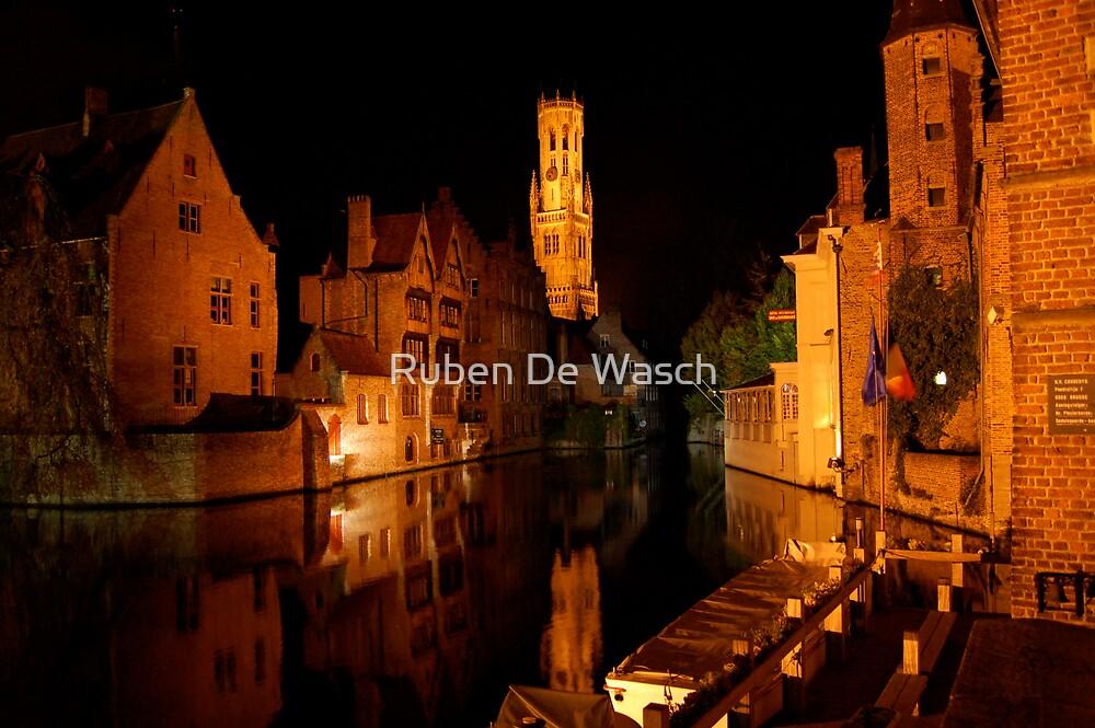 Rozenhoedkaai (Bruges) by Ruben De Wasch