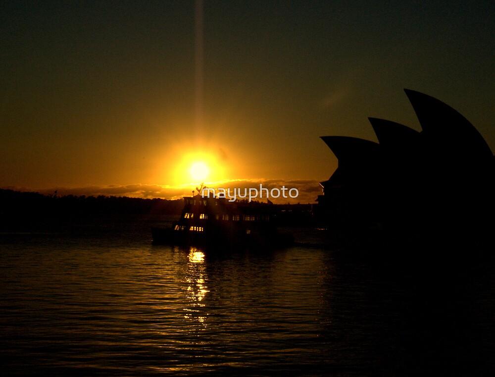 Sunrise by mayuphoto
