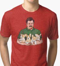 Ron Swanson Holding Corgi Welpen Vintage T-Shirt