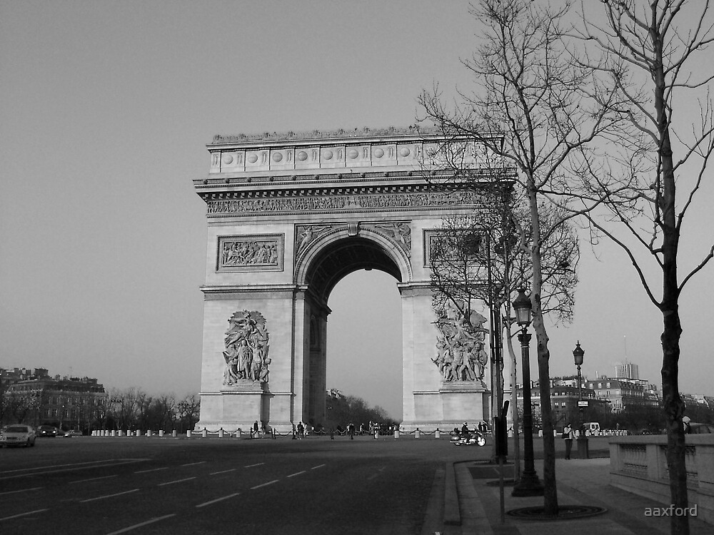 Paris by aaxford