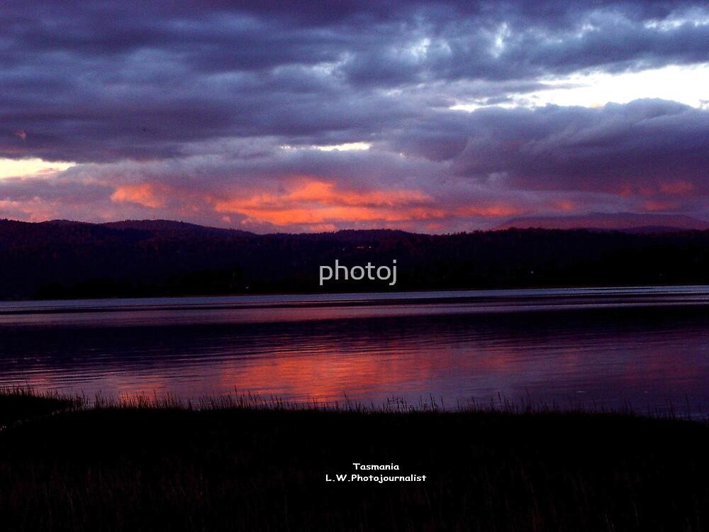 Tasmania Sunset On The Tamar River Launceston by photoj