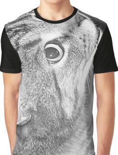 Poppy looking up Graphic T-Shirt