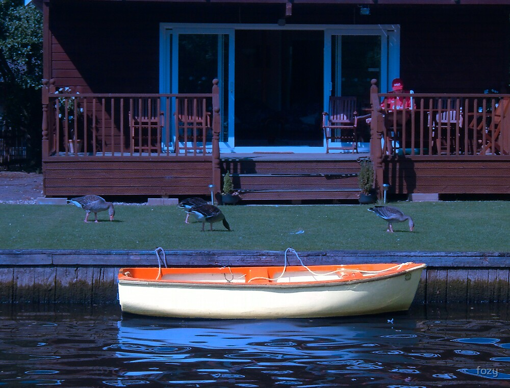 Boat In The Blue by fozy
