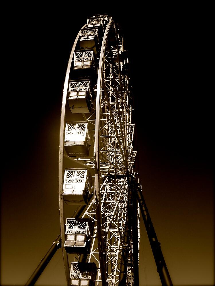 Ferris Wheel in Gold by diongillard