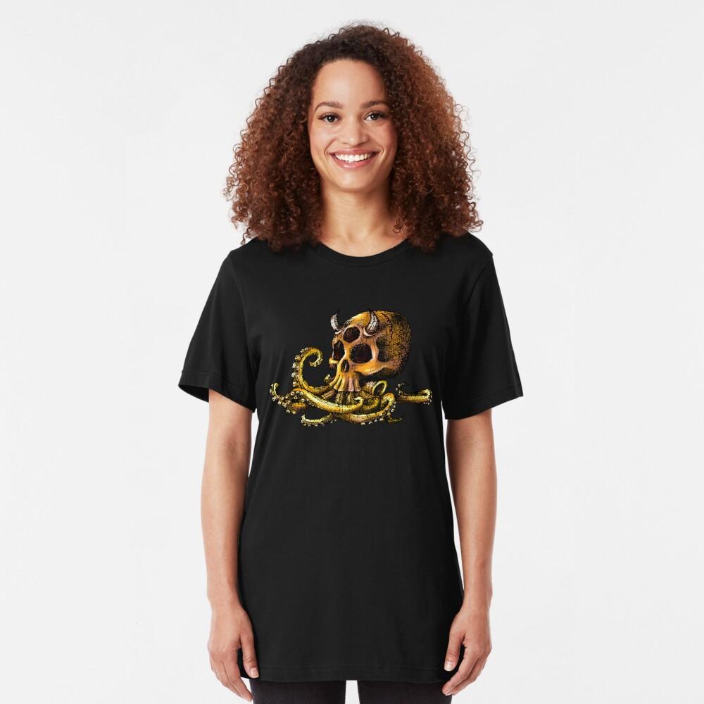 OctoSkull - Cthulhu Skull Octopus Illustration Slim Fit T-Shirt
