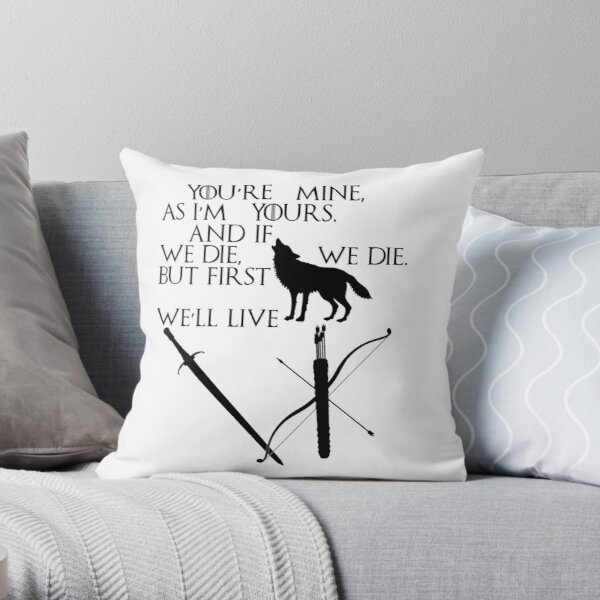 Game of Thrones - Jon Snow and Ygritte Throw Pillow