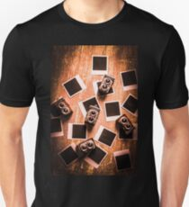 Abstract retro camera background Unisex T-Shirt